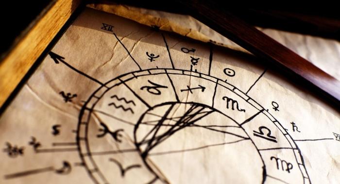Astrothérapie: Astrologie en mémoire cellulaire 85€